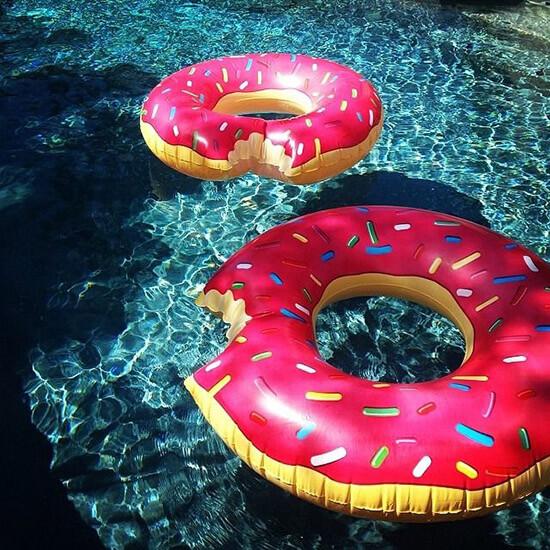 Giant Donut Pool Float The Gift Hunter Gift Ideas