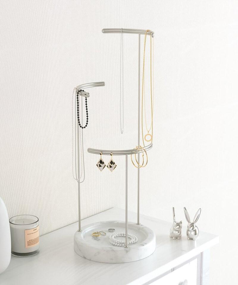 Tesora Marble Jewelry Stand